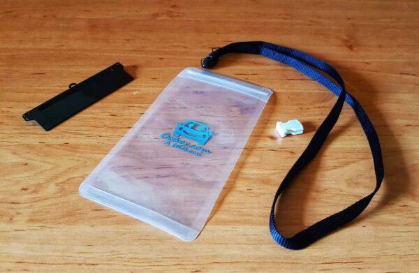 Oszkáros vízálló telefontok üresen